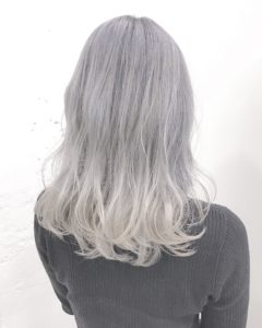 アッシュホワイトヘアー