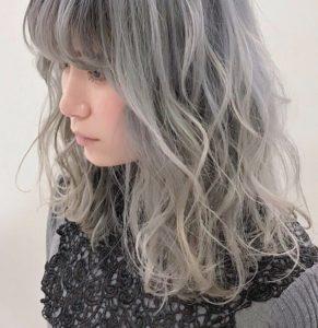 ホワイトアッシュベージュ表参道・原宿でホワイトカラーが得意な美容師