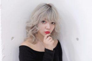 フェザーホワイトヘア♪♪表参道でハイトーンカラーが得意な美容師のブログ♡♡